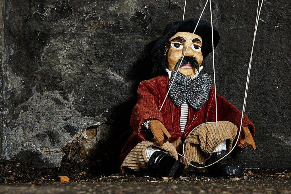 操り人形のイメージ
