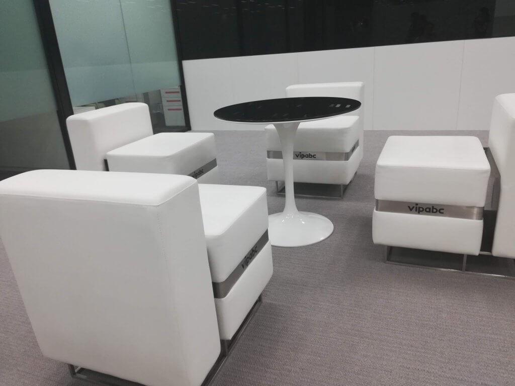 vipabcの日本オフィスの中