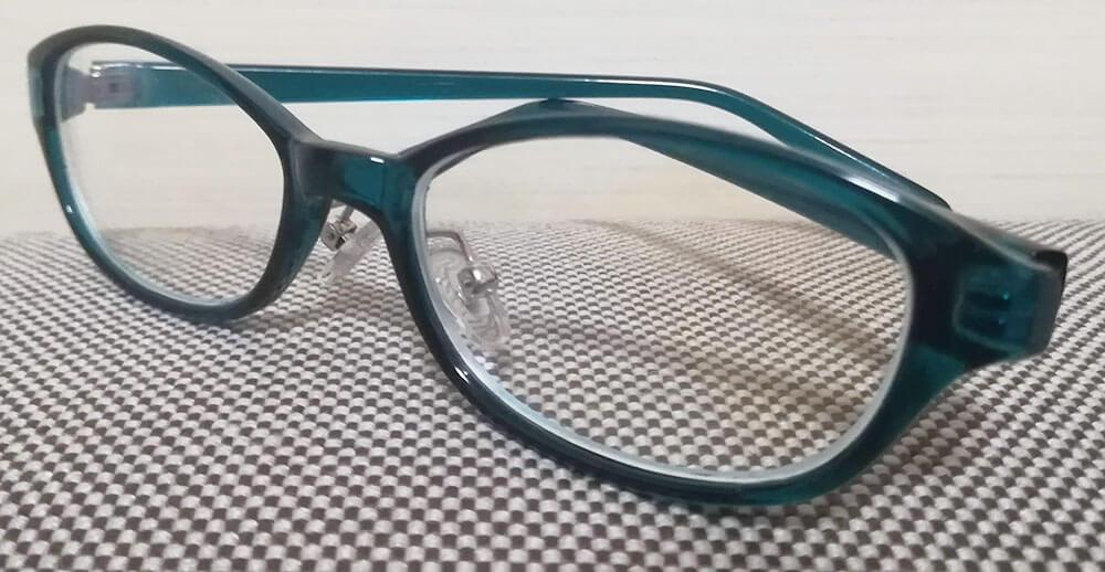 休校中に買った子供用ブルーライトカットメガネ